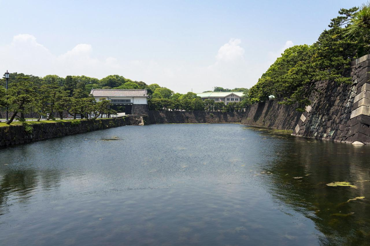 The outer garden of the imperial palace making a good for Outer garden